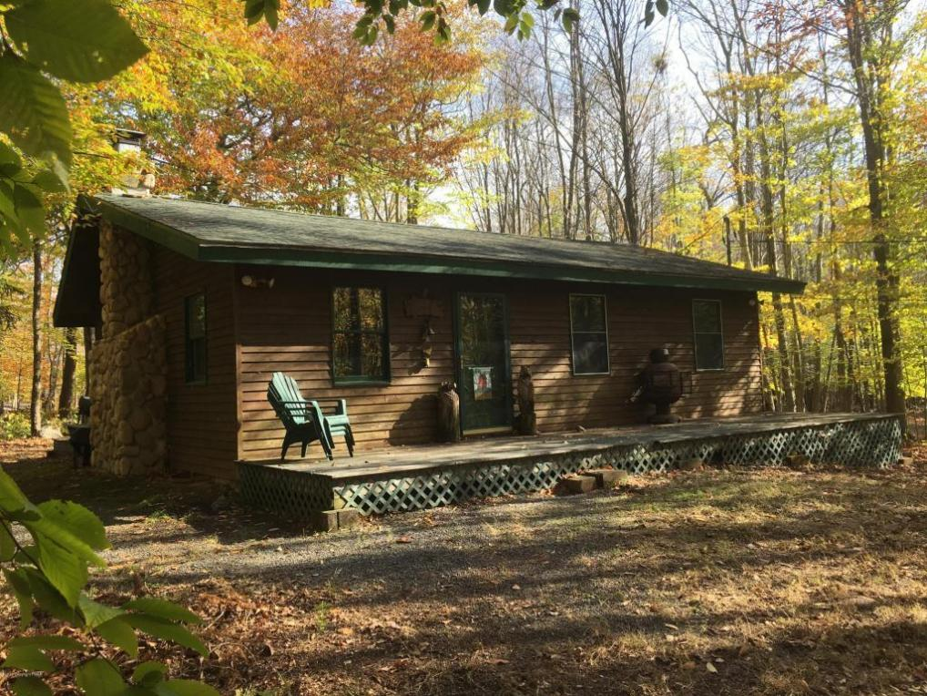 363 Packanack Dr, Clifton Township, PA 18424