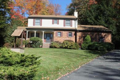 113 Sir Bradford Rd, Pocono Lake, PA 18347