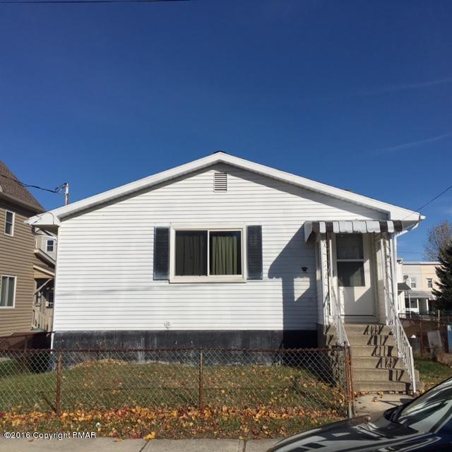 416 W Ludlow St, Summit Hill, PA 18250