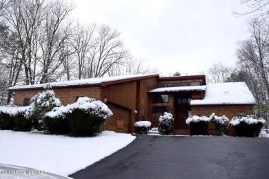 203 Fairview Road, Clarks Summit, PA 18411