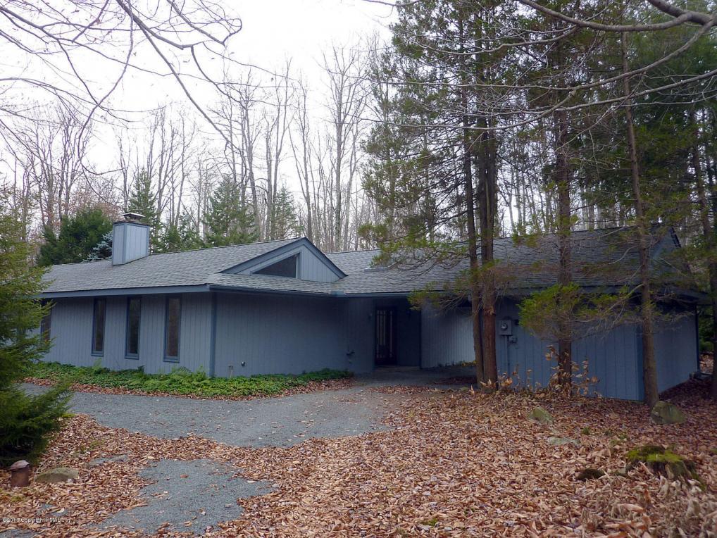 5176 Pioneer Trl, Pocono Pines, PA 18350
