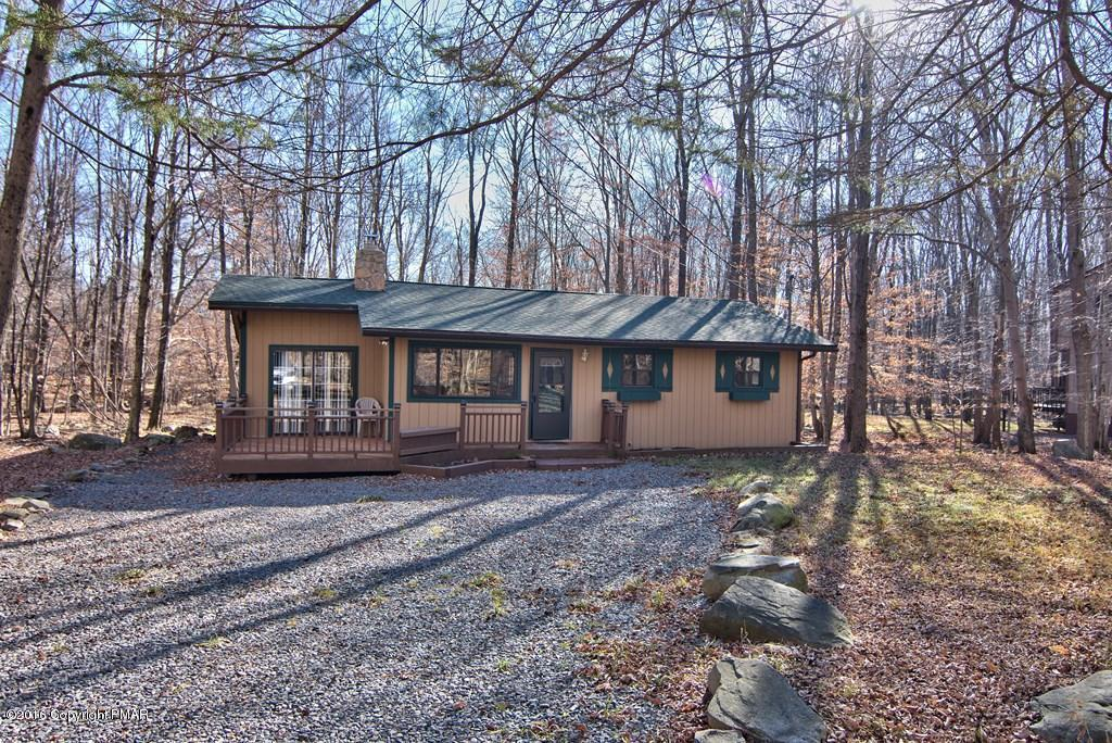 31 Livingston Lane, Gouldsboro, PA 18424