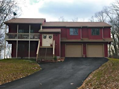 2271 Apley Ct, Bushkill, PA 18324