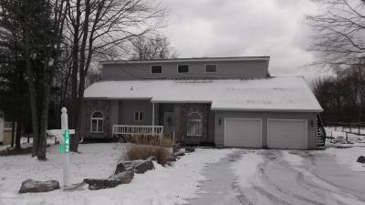 Photo of 142 Granite Rd, Long Pond, PA 18334