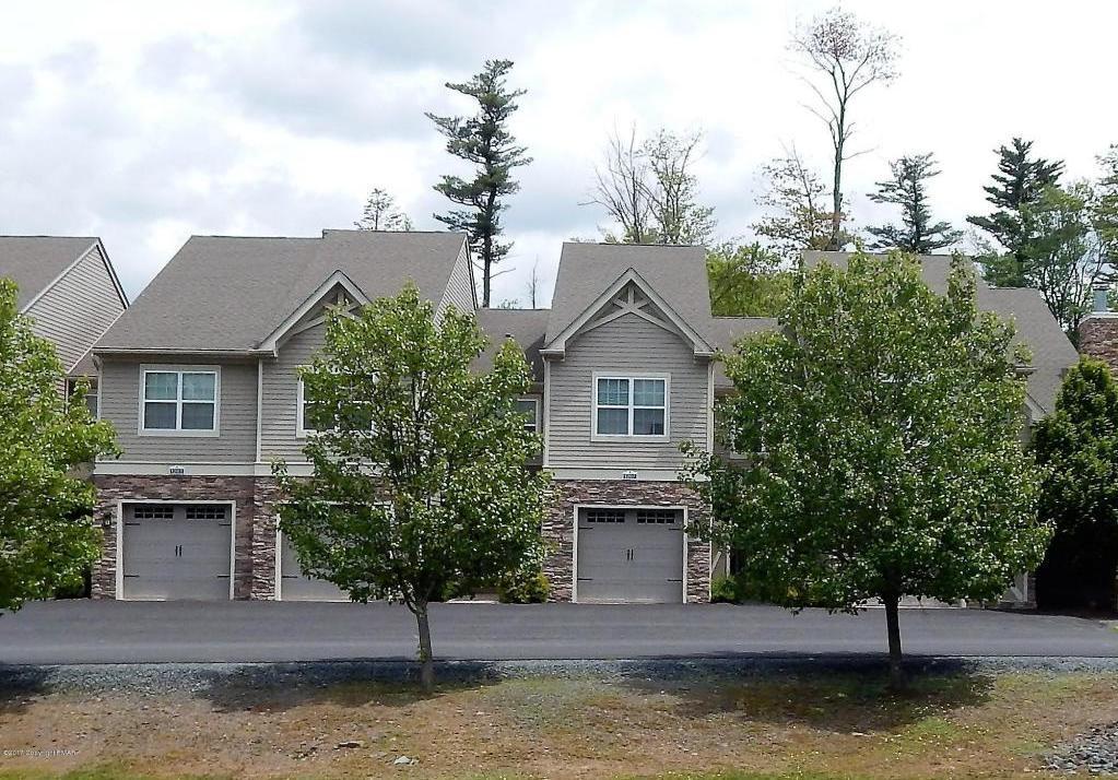 1207 Clymer Lane, Pocono Pines, PA 18350