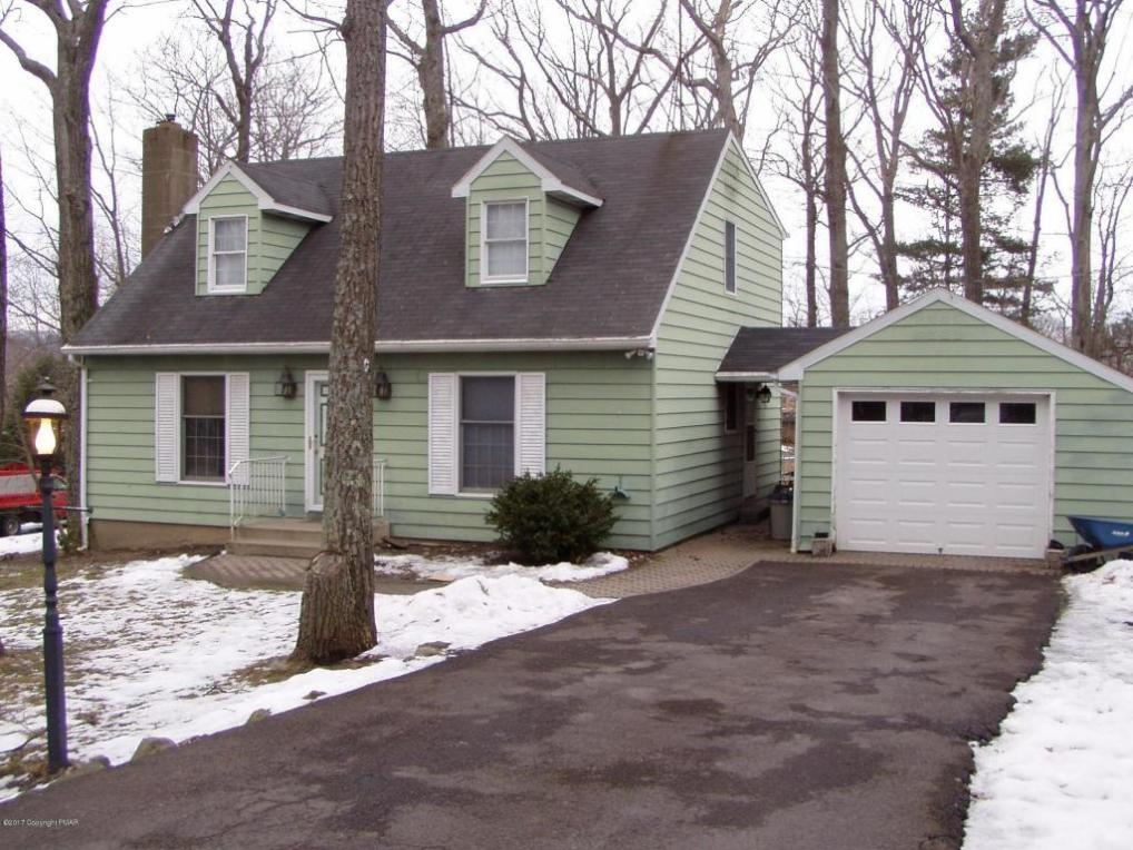 583 Prices Dr, Cresco, PA 18326