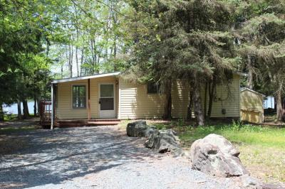 Photo of 408 N Arrow Dr, Pocono Lake, PA 18347