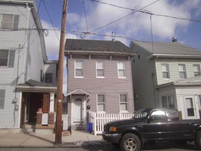 Photo of 220 Center Ave, Jim Thorpe, PA 18229