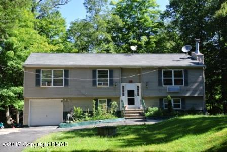 1329 Pocono Mountain Lake Dr, Bushkill, PA 18328