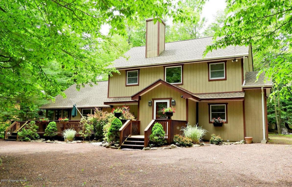 117 Sweet Briar Road, Pocono Pines, PA 18350