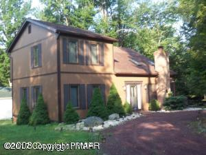 BIG HOME 4 little $$$$$$$$...in Pocono Lake.  18347--4 bedrooms, 3 full baths in Arrowhead Lakes 8347