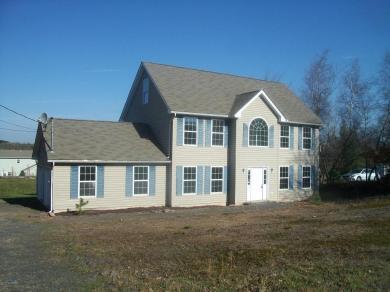 665 Mountain Rd, Blakeslee, PA 18610