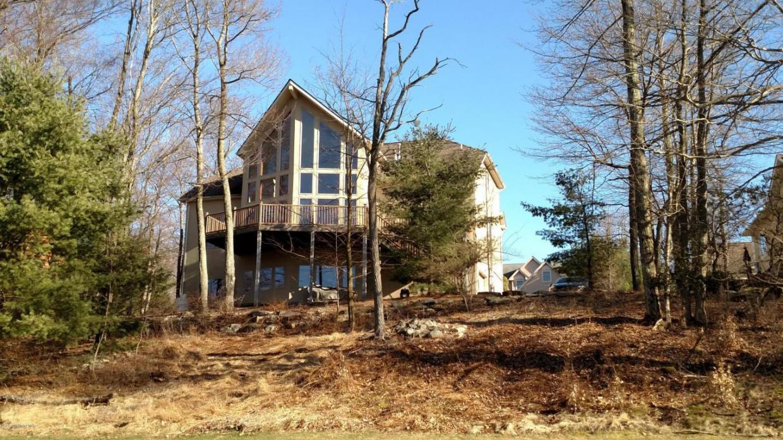 91 Wolf Hollow, Lake Harmony, PA 18624