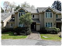 426 Woods Lake Ln, Pocono Pines, PA 18350