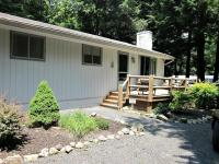 203 Long View Ln, Pocono Pines, PA 18350