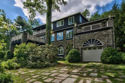 Photo of 219 Huckleberry Ln, Buck Hill Falls, PA 18323