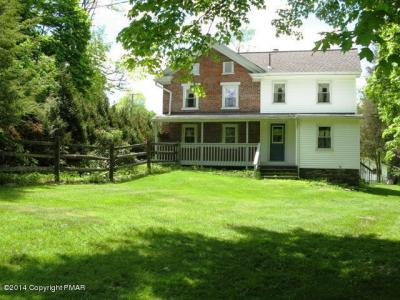 Photo of 516 Hollow Rd, East Stroudsburg, PA 18302