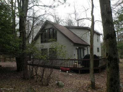 Photo of 5 Bruin Ct, Lake Harmony, PA 18624