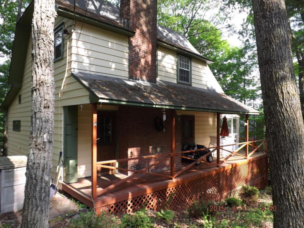 208 Old Hemlock Ln, Buck Hill Falls, PA 18323