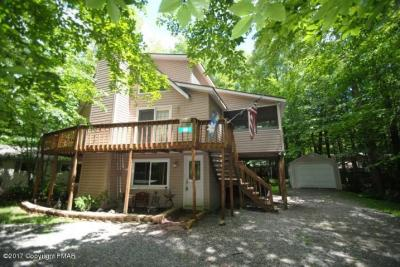 Photo of 180 Maxatawny Dr, Pocono Lake, PA 18347