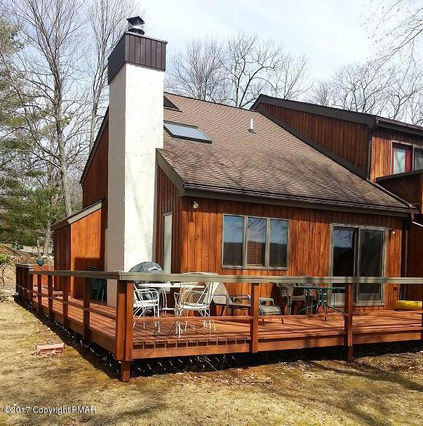 99 Ruffed Grouse Ct, Lake Harmony, PA 18624