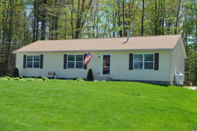 Photo of 127 Cranberry Dr, Blakeslee, PA 18610