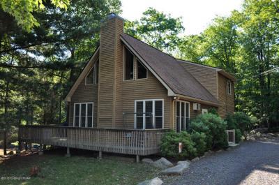 Photo of 60 Red Oak Rd, Lake Harmony, PA 18624