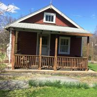 475 Henrys Crossing Rd, Cresco, PA 18326