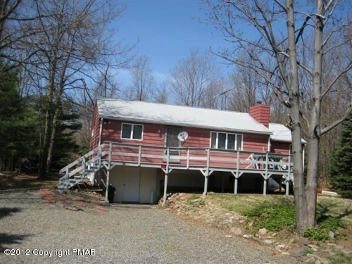 25 Fox Hill Rd, Albrightsville, PA 18210