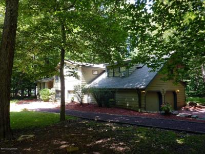 Photo of 103 Tunkhannock Trl, Pocono Pines, PA 18350