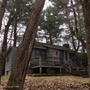 21 Greenwood Rd, Lake Harmony, PA 18624