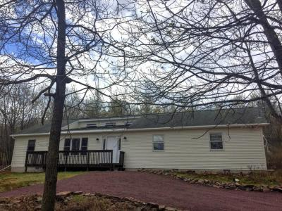 Photo of 134 Kiowa Ln, Albrightsville, PA 18210