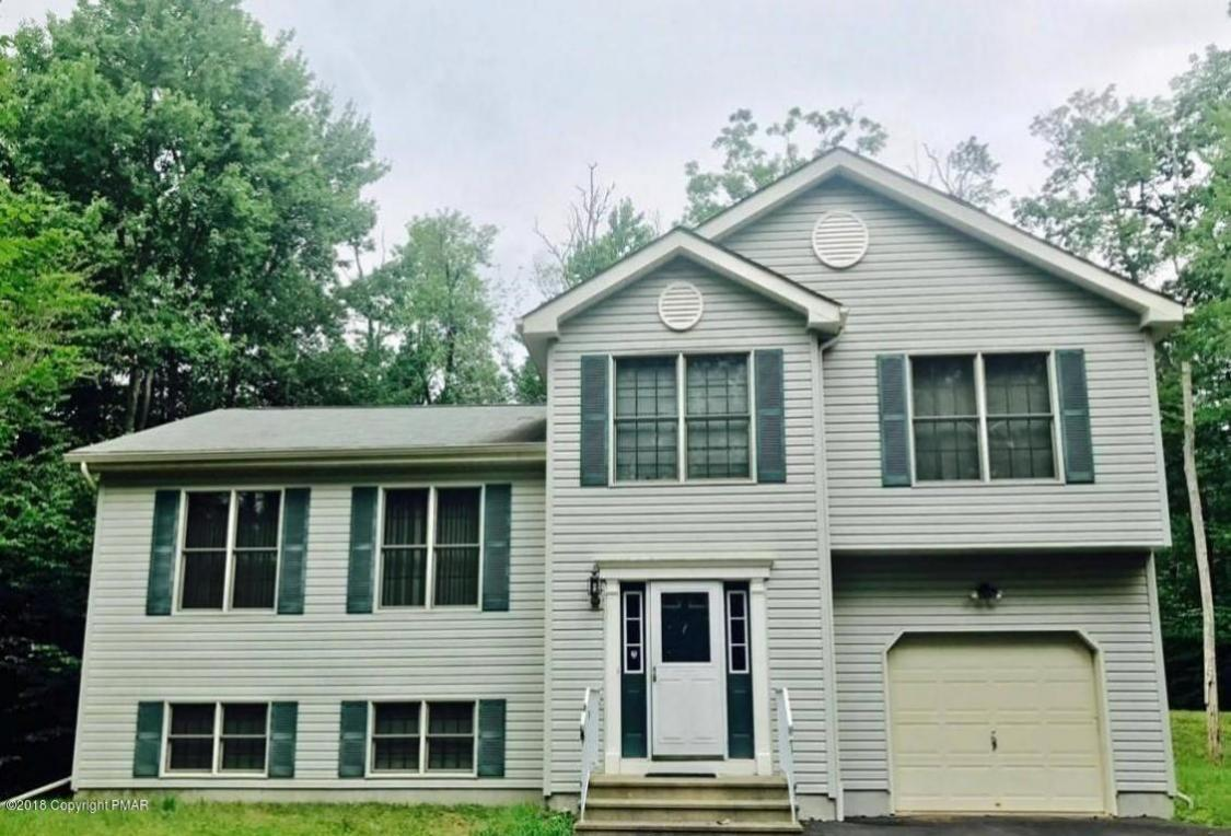 105 Remington Cir, Tobyhanna, PA 18466