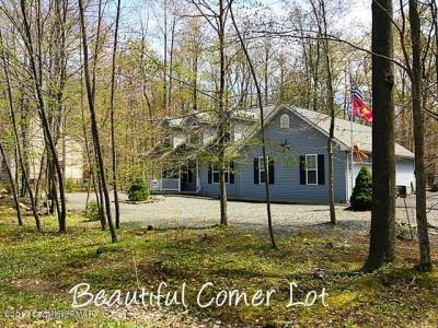 Photo of 213 Choctaw Dr, Pocono Lake, PA 18347