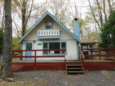 121 Squaw Trl, Pocono Lake, PA 18347