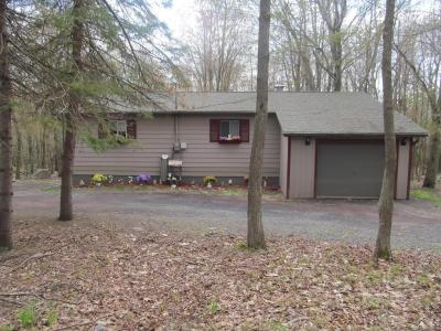 Photo of 202 Forest Hill Dr, Blakeslee, PA 18610