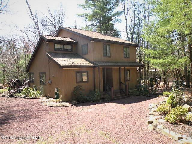 2314 Hillcrest Dr, Pocono Pines, PA 18350