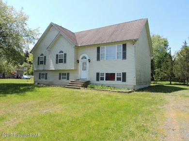 1133 Wallace St, Stroudsburg, PA 18360