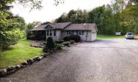 203 Wildwood Dr, White Haven, PA 18661