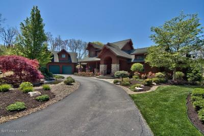 Photo of 164 Windsor Way, Roaring Brook Twp, PA 18444