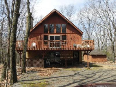 Photo of 404 Mountain Crest Dr, Lake Harmony, PA 18624