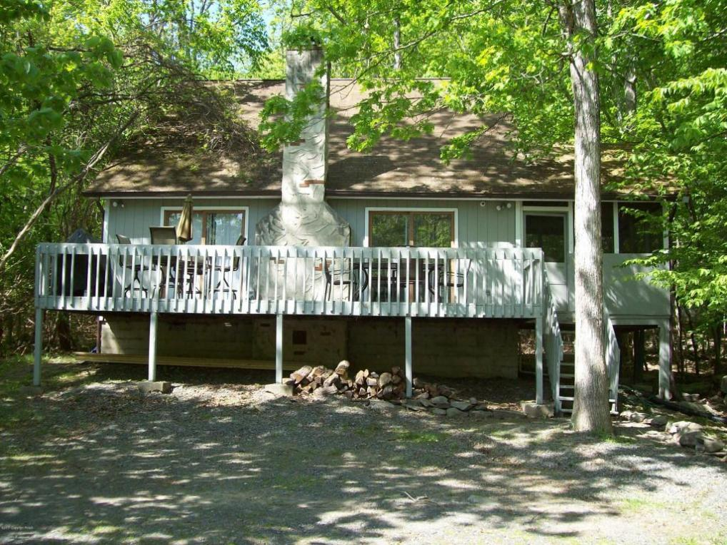 5787 Decker Rd, Bushkill, PA 18324