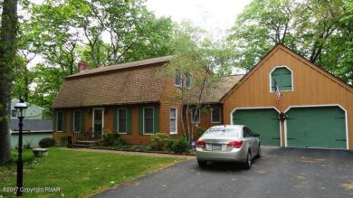 591 Prices Dr, Cresco, PA 18326