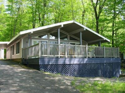 Photo of 126 Lc Larson Dr, Pocono Lake, PA 18347