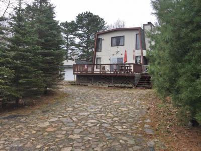 Photo of 215 Granite Rd, Long Pond, PA 18334