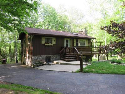 Photo of 22 Mountainside Drive, Gouldsboro, PA 18424