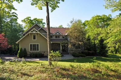 Photo of 373 Wolf Hollow Rd, Lake Harmony, PA 18624