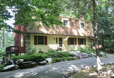Photo of 2515 Hawk View Ct, Pocono Lake, PA 18347