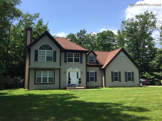 142 Chatham Hill Rd, Stroudsburg, PA 18360