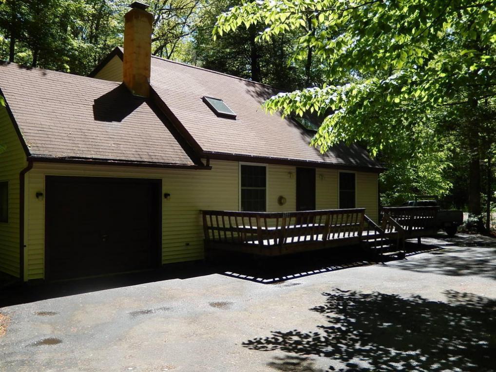 166 Longfellow Cir, Albrightsville, PA 18210
